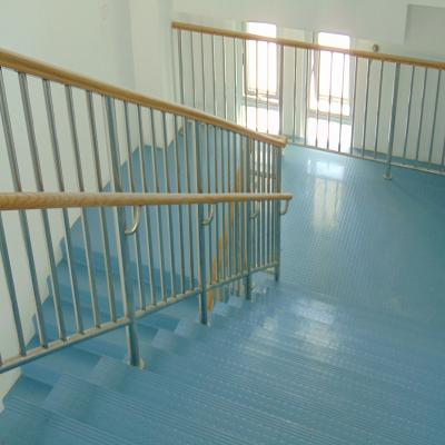 Rubber floor covering for stair use